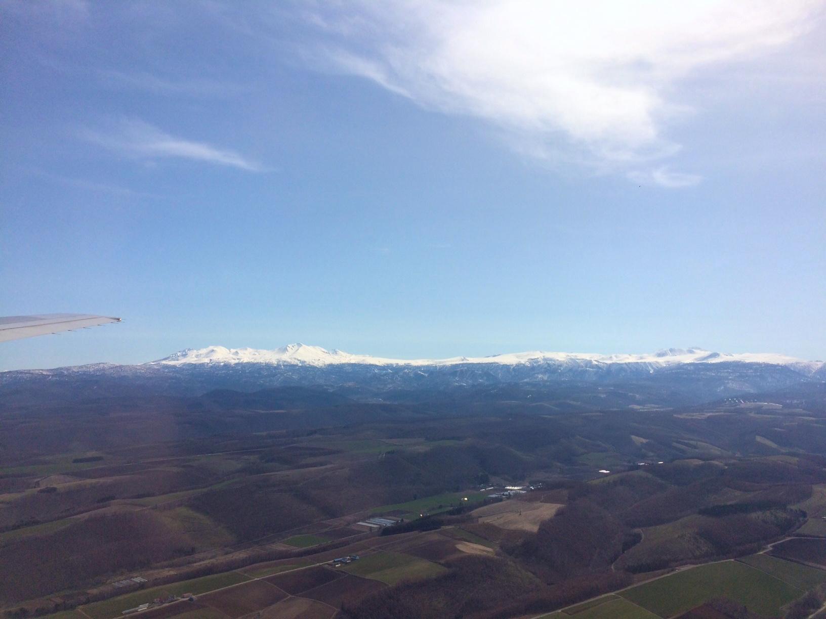 大雪連峰飛行機から.JPG