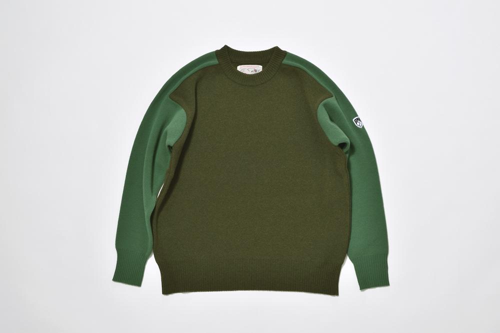 フリーダムスリーブのセーター